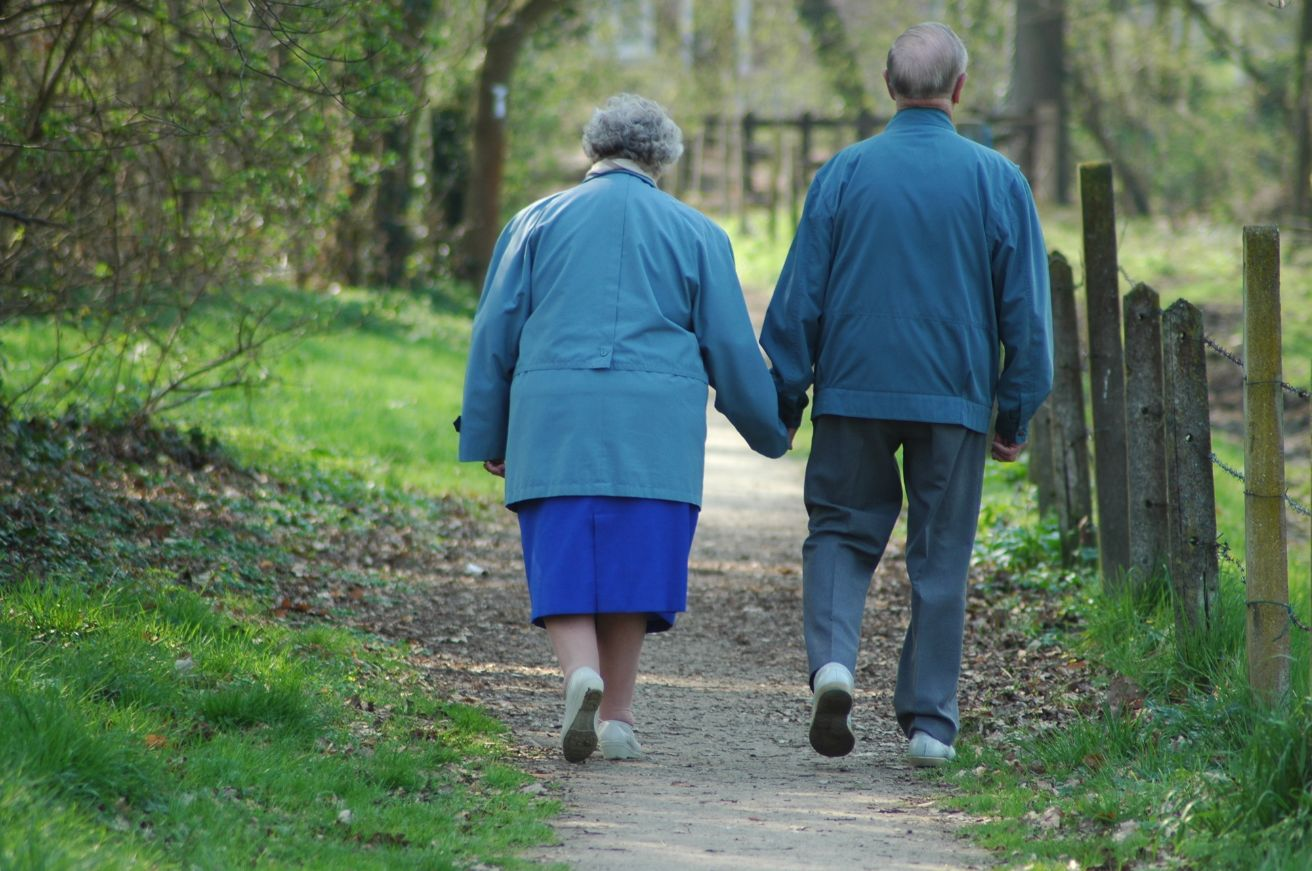 Elderly adults tend to live longer if their homes are near a park or other green space